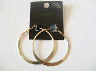 Pair of gold coloured mid size hoop earrings - ex high street (Code 0210)
